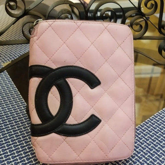 CHANEL Handbags - Authentic Chanel cosmetic bag